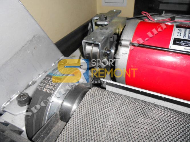 Замена приводного ремня беговой дорожки Johnson Е8000